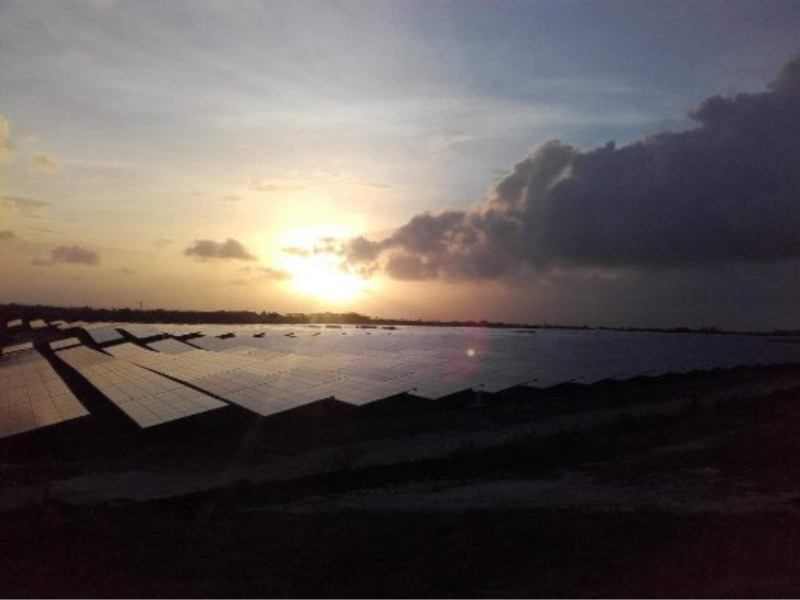 Estructura fotovoltaica suelo